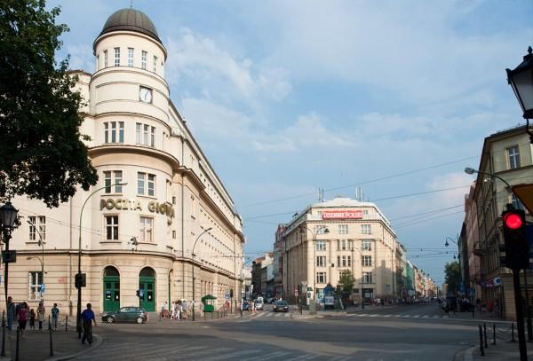 (#12) Skrzyżowanie ul. Starowiślnej z ul. Wielopole, widoczna Poczta Główna - teraz