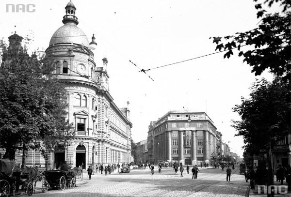 (#12) Skrzyżowanie ul. Starowiślnej z ul. Wielopole, widoczna Poczta Główna - dawno temu
