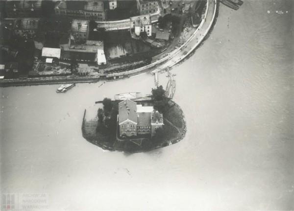 Will Rożnowskich podczas powodzi, fot. ANK